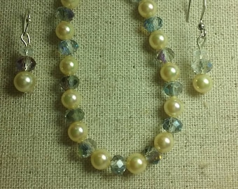 Hand made jewelry, crystal beads, pearls, necklaces, bracelets, earrings
