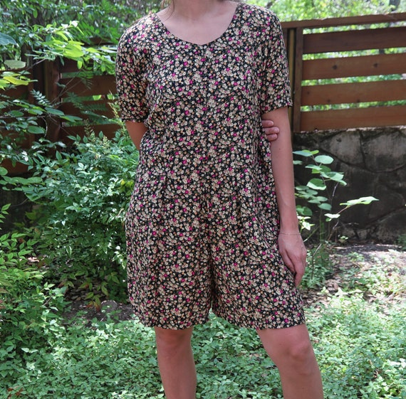 Vintage Romper / Floral Romper / Short Sleeve Romp