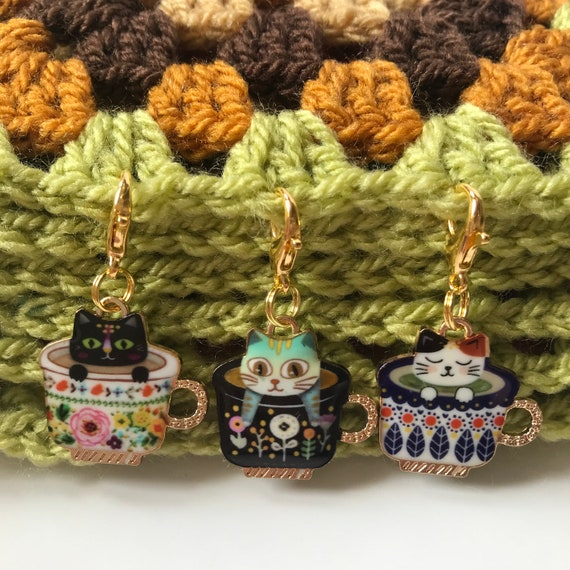 Lobster Clasp Progress Keeper Cute Antique Bronze Mouse Yarn Jewelry Knit Gift for Knitters Charm Knitting Accessory Stitch Marker