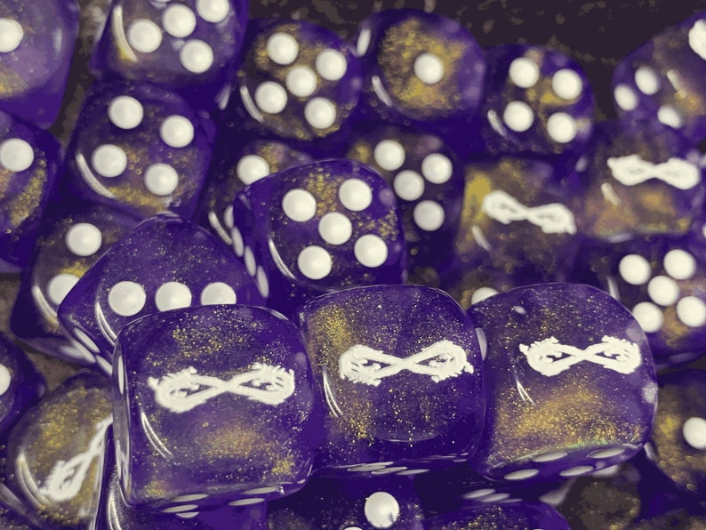 Dragon Infinity Symbol Customized Six-Sided Dice Sparkling Purple Glitter with White