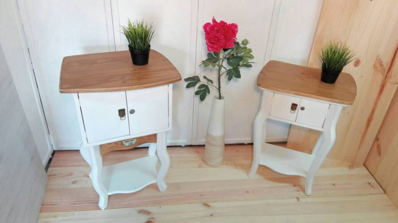 2 Bedside Tables Shabby Chic Design Couple White Shabby Bedroom Room Different Height White Natural Pine Wood
