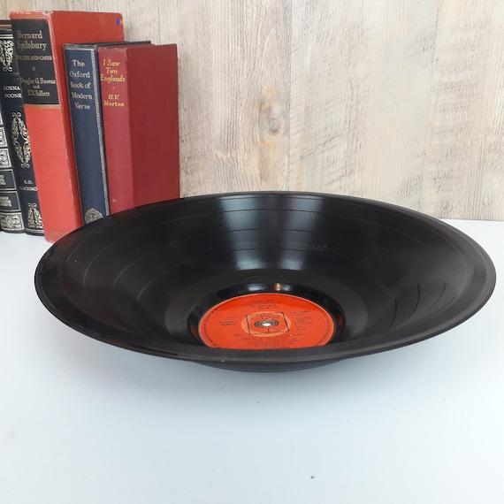 Farben Schale aus Schallplatte //// vers