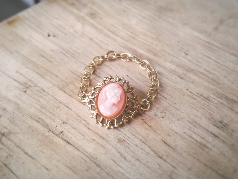 Pink Victorian Lady Cameo Toe Ring Gold Chain Toe Ring Victorian Lady Toe Ring Hipster Body Jewelry Toe Ring Bohemian Toe Ring
