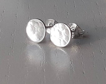 Silver earrings, silver stud earrings, little silver stud earrings, silver disc earrings, silver earring, silver earrings, handmade earrings