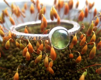 Sterling silver peridot leaf textured ring
