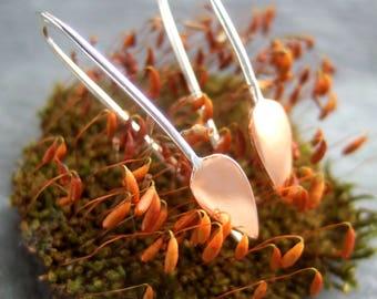 Silver leaf design earrings