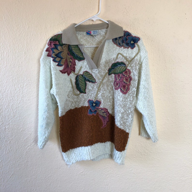 Vintage 90s floral embroidered sweater S
