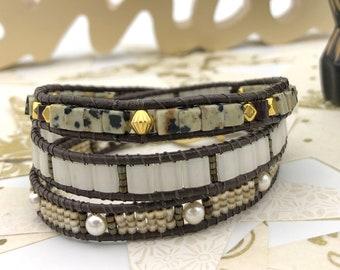 Brown and iridescent beige woman bracelet