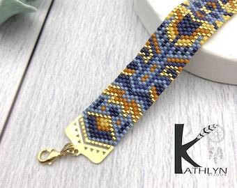 NeSIRI blue bracelet in woven miyuki beads