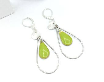 Drop earrings yellow green and silver