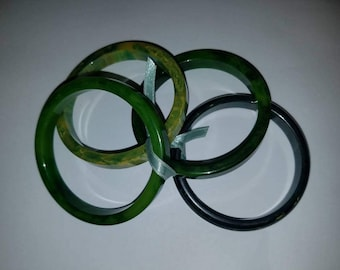 Set of 4 Assorted Green Bangles