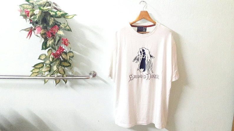 e6aad30d0ee21 Snoop Dogg oversize hiphop fashions brand size xl white tshirts embroidery  spells / music fashion rappers raptee hiphopster streetwear