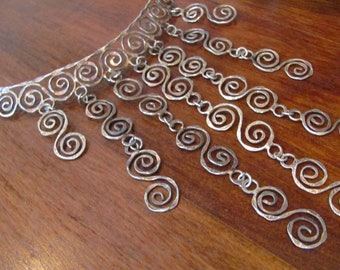 Vintage 1970's TRIBAL INFLUENCE Boho HIPPIE Hammered Silver Coil Bib Necklace