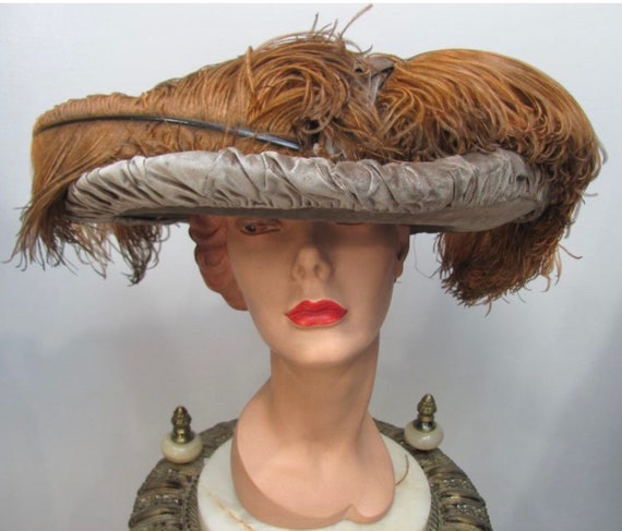 Antique 1912 Edwardian VELVET & OSTRICH Plume GAIN