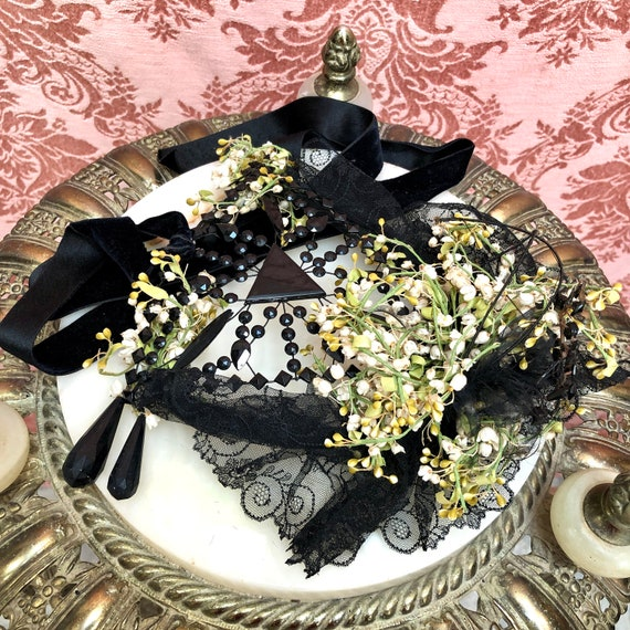 Antique Victorian 1880s JET Glass & LILY of the V… - image 6