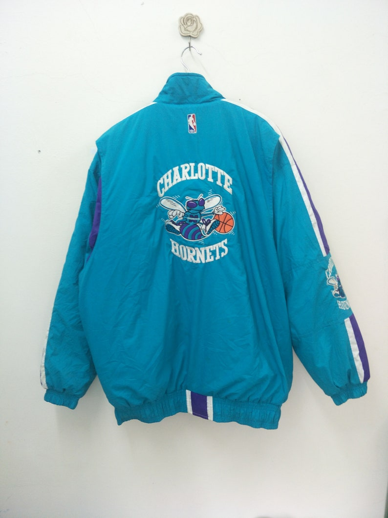 8f12c3457b0 Vintage CHARLOTTE HORNETS  Down jacket Puffer  Size L