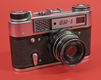 FED 5 Soviet Russian Rangefinder Film Camera, Industar 55/2.8 Lens, Leather case