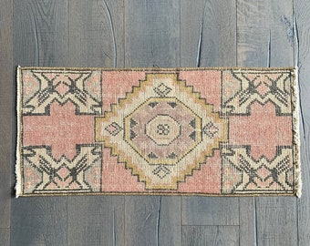 "Mini Vintage Turkish Rug - 3'1"" x 1'5"""