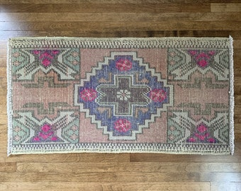 "Small Vintage Turkish Rug  |  2'9"" x 1'5""  