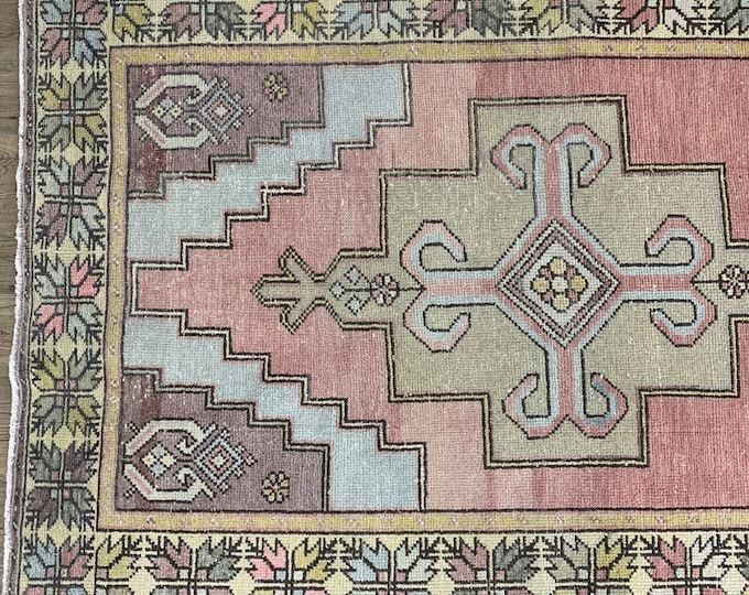 "9'0"" x 4'4"" - Large Vintage Turkish Oushak Rug 