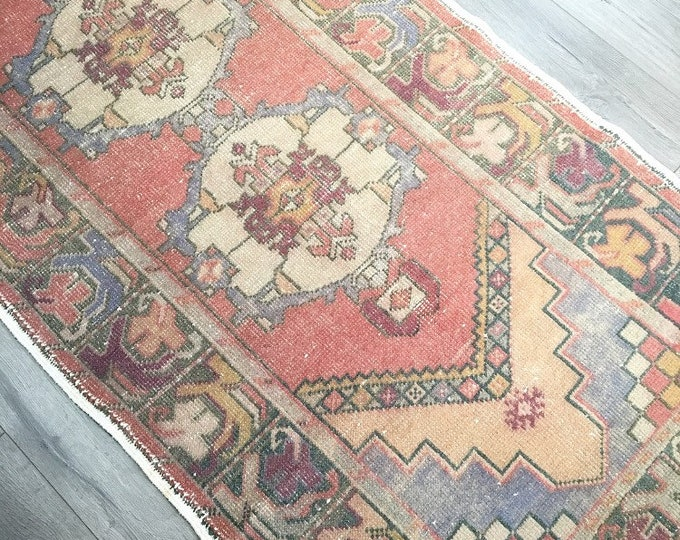 9.5 x 3.2  -  Vintage Turkish Runner Rug   |  Faded Vintage Turkish Runner Rug