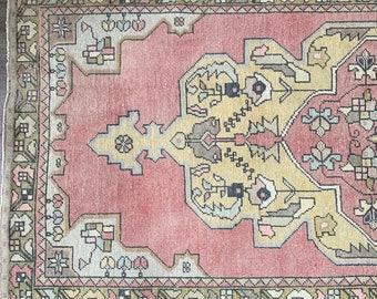 "8'6"" x 4'1"" - Vintage Turkish Rug  |  Vintage Turkish Oushak Rug  |  Pink Vintage Rug"