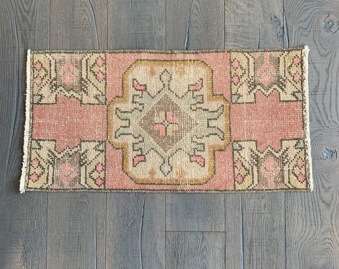 "Mini Vintage Turkish Rug  |  Pink Vintage Rug  |  3'0"" x 1'6"""