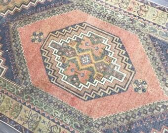 6.0 x 3.4 - Vintage Turkish Rug (Faded Oushak)