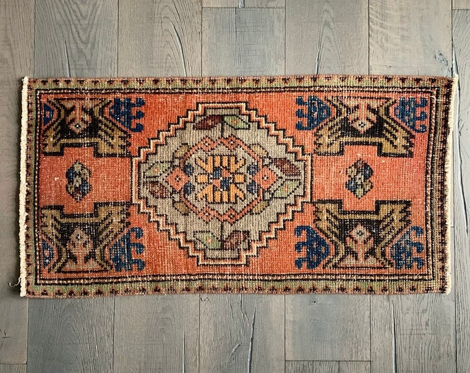 "Mini Vintage Turkish Rug - 3'2"" x 1'8"""