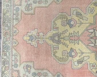 "8'4"" x 3'8"" - Vintage Turkish Rug  |  Virage Turkish Oushak Rug  |  Pink Vintage Rug"
