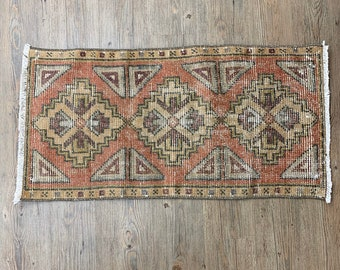 "Small Vintage Turkish Rug  |  3'1"" x 1'6"" Mini Turkish Oushak  