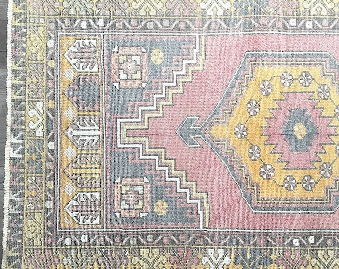 5.6 x 3.6  - Vintage Turkish Rug  |  Faded Pastel Tukish Rug
