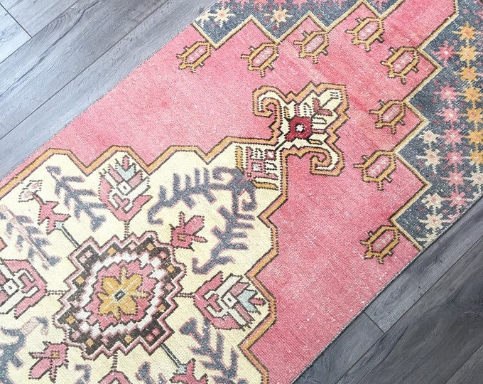 Vintage Turkish Runner Rug - 8.5 x 2.7  |  Pink Rug  |  Vintage Turkish Oushak Rug  |  Runner Rug