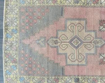"""Large Vintage Turkish Rug  - 8'6"""" x 4'2"""""""
