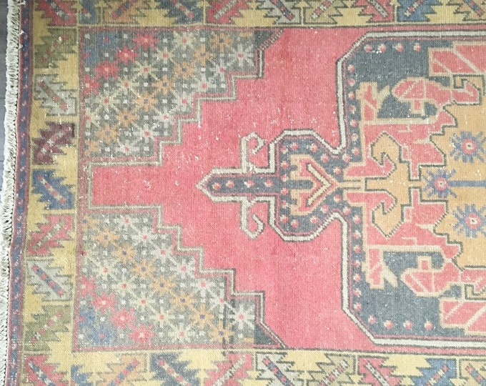 8.7 x 3.11 - Vintage Turkish Rug (Faded Oushak)