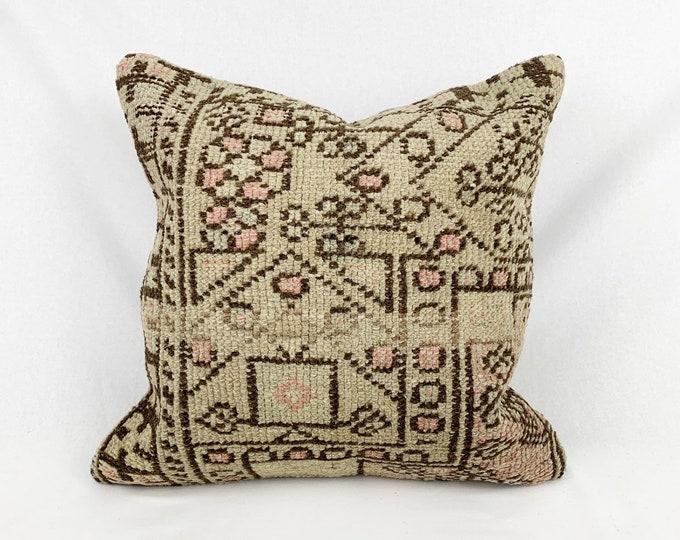 "20"" x 20"" - Vintage Turkish Rug Pillow no. 116  |  Turkish Kilim Pillow  |  Pastel Square Pillow"