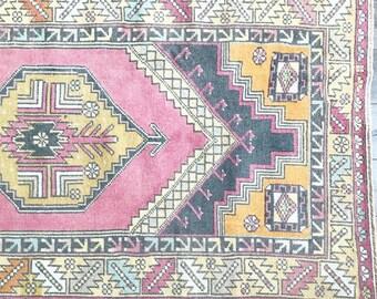 5.7 x 3.3 - Vintage Turkish Rug (Pastel Oushak)