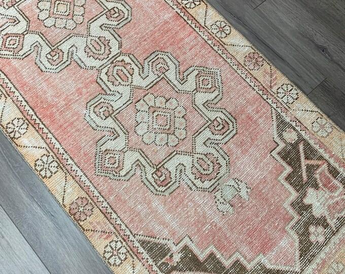 "9' x 2'8"" - Vintage Turkish Runner Rug  |  Runner Rug  |  Pink Turkish Oushak Rug"