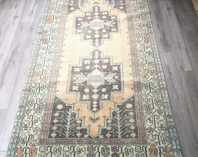 "8'3"" x 4'4"" - Vintage Turkish Rug  
