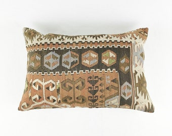 Large Vintage Turkish Rug Pillow - Lumbar  | 16 x 24