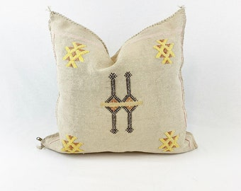 "Oatmeal Sabra Silk Pillow  |  Beige Cactus Silk  | 18"" X 18""  |  Square Throw Pillow"