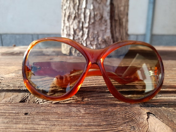 Vintage Sunglasses/70s Sunglasses / Square glasses
