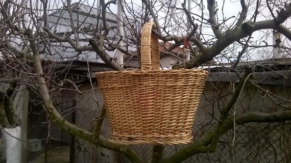 Large Market basket/Vintage Wicker Picnic Basket/S