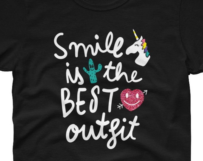 Smile is the Best outfit Women's t-shirt