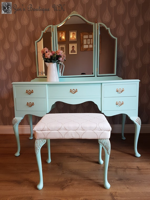 Now Sold Vintage Dressing Table With, Vintage Style Vanity Table With Mirror