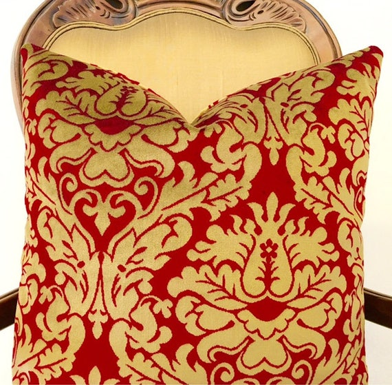 Luxury Accent Pillow in red & gold