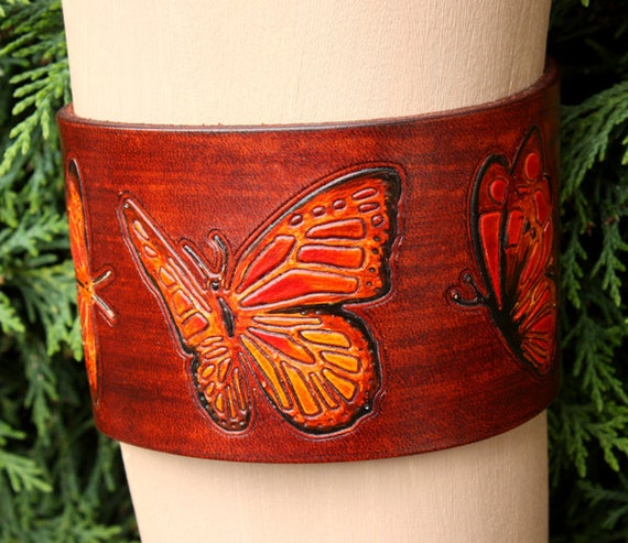 Hand bemalt Band aus echtem Leder Oberarm, Armschmuck, Schmetterling Arm Armband