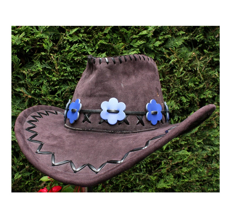 Blue leather cowboy hat band, flower hat band, Boho hat band, daisy chain