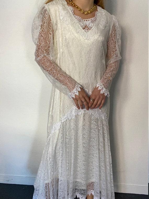 Vintage Lace Balloon Sleeve Dress