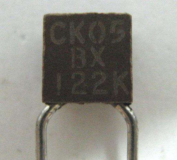 50 condensateurs céramiques 68nF 50V X7R Sprague